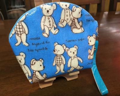 กระเป๋าหมีพื้นฟ้า - B3124