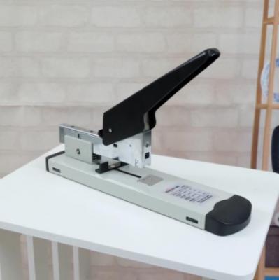 Gion-เครื่องเย็บกระดาษขนาดใหญ่ แบบตั้งโต๊ะรับกระดาษหนาจำนวน 100 แผ่น ขนาด: 6.5 x 11 x 27.5 ซม. - B31